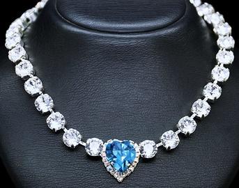 Diamond Sky Necklace Saint Valentine II With Crystals From Swarovski