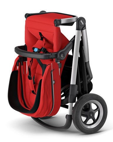 Thule Sleek with Bassinet and Main Seat Energy Red