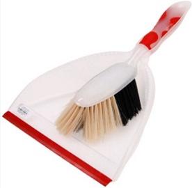 Coronet Dustpan and Brush Set 00457423