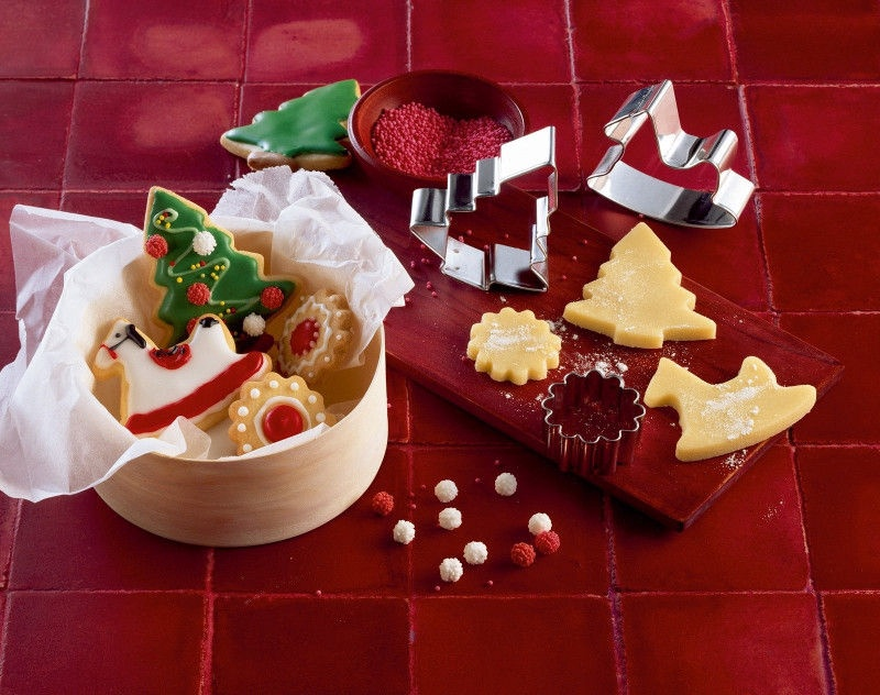 Kaiser Gingerbread/Cookie Form 8PCS Set In A Metal Ring L Size