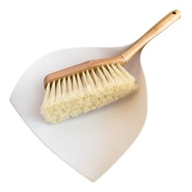 DUSTPAN WITH BRUSH BAMBOO 062140