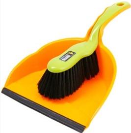 Coronet Dustpan and Brush Set 03760000