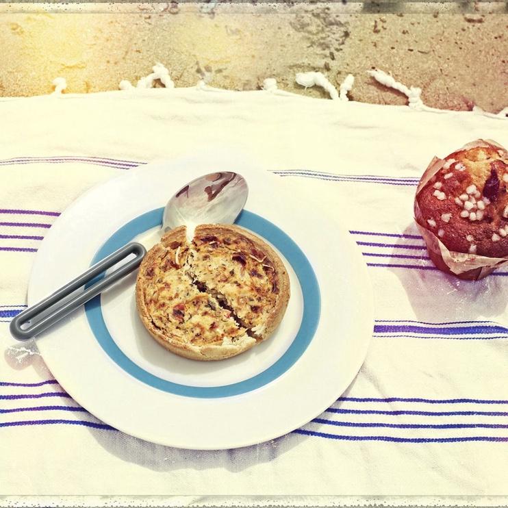 "ViceVersa Dessert Plate ""The Dot"" 23cm Red"